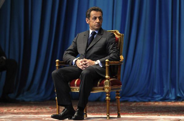 http://blog.syti.net/Images/Sarkozy_Trone.jpg